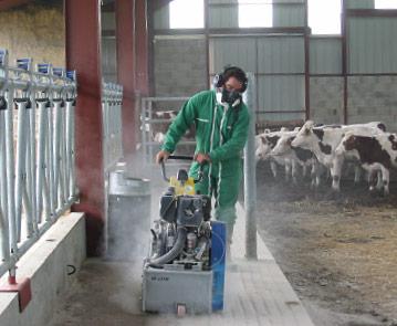 Rainurage des dols des bâtiments d'élevage